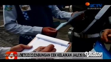 Guna meminimalisasi kecelakaan lalu lintas jelang Natal dan tahun baru (Nataru), Dishub Provinsi Jawa Timur akan memasang pembatas jalan bersilinder putar atau rolling guard-rail barrier. Rolling barrier ini akan dipasang di jalur maut Sarangan.