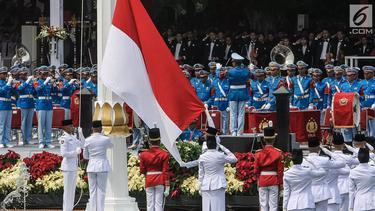 [Fimela] Upacara Bendera HUT RI-74