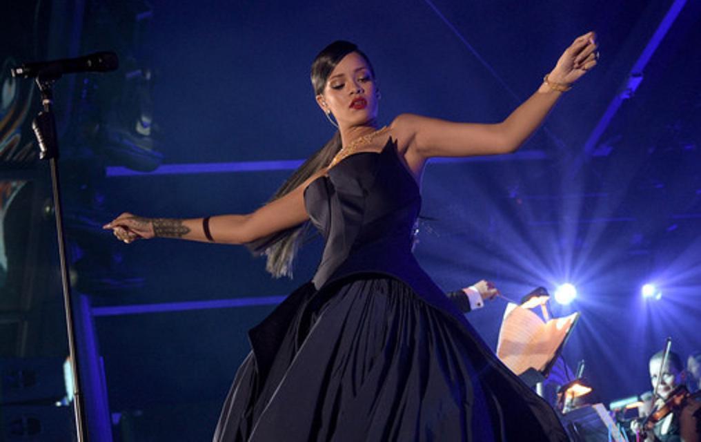 Rihanna (E!)