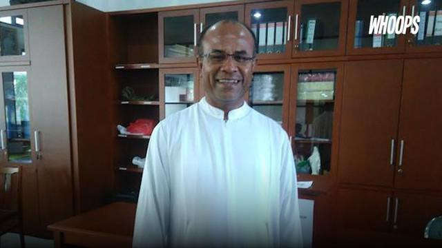 Pastor Eventius Dewantoro ini ternyata cukup fasih berbahasa Arab