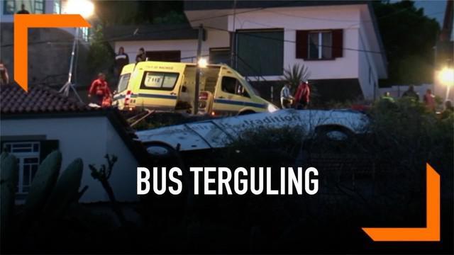 Bus turis Jerman terguling dari bukit dan hantam sebuah rumah warga di Portugal. Sedikitnya 29 orang dilaporkan tewas akibat kecelakaan ini.