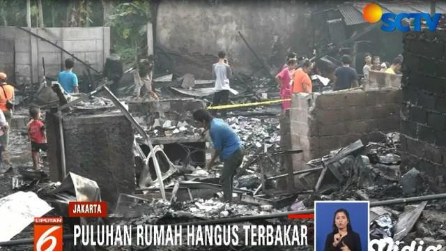 Warga mengaku, kebakaran berlansung cepat sehingga warga sulit menyelamatkan harta benda mereka.