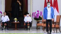 Presiden Joko Widodo (Jokowi) mengumumkan Sandiaga Salahuddin Uno sebagai Menteri Pariwisata dan Ekonomi Kreatif yang baru di Istana Merdeka, Jakarta pada Selasa, 22 Desember 2020. (Biro Pers Sekretariat Presiden)