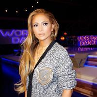 Jennifer Lopez menceritakan kisahnya dilecehkan oleh seorang sutradara di awal kariernya. (instagram/jlo)
