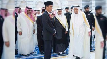 Jokowi bersama Raja Arab Saudi King Salman.