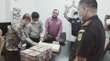 Uang Korupsi Miliaran Rupiah Dikembalikan ke Kejari Ogan Ilir