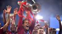 Bek Liverpool, Virgil van Dijk. (AFP/Ben Stansall)
