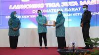 Ketua Umum Tim Penggerak (TP) PKK, Tri Tito Karnavian dalam acara launching Gerakan Tiga Juta Masker se-Provinsi Sumatera Barat (Sumbar) di Auditorium Rumah Dinas Gubernur Sumbar, Kota Padang, Selasa (25/8/2020). (Ist)