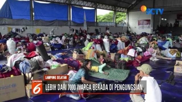 Pemkab Lampung Selatan memperpanjang masa tanggap darurat bencana, lantaran lebih dari 7 ribu warga korban tsunami Selat Sunda masih bertahan di pengungsian.