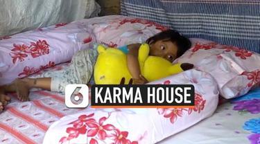 """Karma House adalah sebuah studio tato di Bali. Didirikan Aren Bahia, seorang WNA asal Kanada. Tiap tahun, Karma House menggelar kegiatan amal, dinamai """"Happy Mattress"""", sebuah gerakan membagikan kasur layak untuk anak-anak dari keluarga kurang mampu ..."""