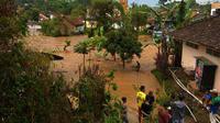 Banjir bandang menerjang Kecamatan Gununghalu dan Sindang Kerta, Kabupaten Bandung Barat, Jawa Barat. (Foto: Istimewa/BNPB)