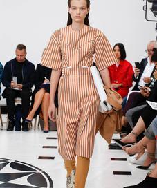 Victoria Beckham Spring Summer 2019 - Photo: Vogue