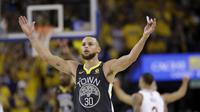 Selebrasi Stephen Curry di gim kedua final NBA (AP)
