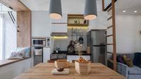 Dapur sempit karya Fiano dan Aksioma. (dok. Fiano dan Aksioma/Arsitag.com)