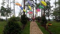 Objek wisata Kemit Forest, Cilacap, saat situasi normal, sebelum pandemi Covid-19. (Foto: Liputan6.com/Muhamad Ridlo)