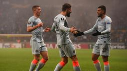 Oliver Giroud melakukan selebrasi usai mencetak gol ke gawang Bate Borisov di laga lanjutan Grup L Liga Europa 2018/19 yang berlangsung di Stadion Borisov Arena (9/11). Chelsea menang 1-0 (AFP/Kirill Kudrayavsev