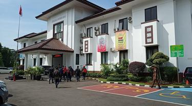 Kejaksaan Tinggi Negeri Kota Depok memanggil 30 anggota Dinas Pemadam Kebakaran Kota Depok untuk diperiksa sebagai saksi dugaan korupsi di Damkar Kota Depok.