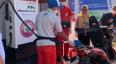 PT Pertamina (Persero) melalui Marketing Operation Region (MOR) III kembali meluncurkan 1 unit Pertashop di Kabupaten Sumedang.