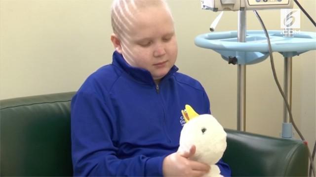 Ahli robot Aaron Horowitz, merancang robot khusus anak-anak penderita kanker.