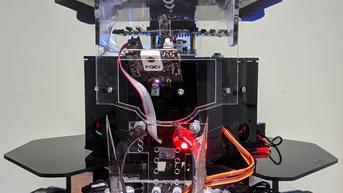 Bak Superhero, Robot Karya Mahasiswa Ini Bisa Padamkan Api hingga Evakuasi Korban