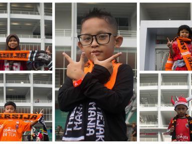 Berikut ini foto kolase gaya The Jakmania Cilik saat menyaksikan laga Persija Jakarta melawan Tampines Rovers pada laga AFC Cup 2018. (Bola.com/Asprilla Dwi Adha)