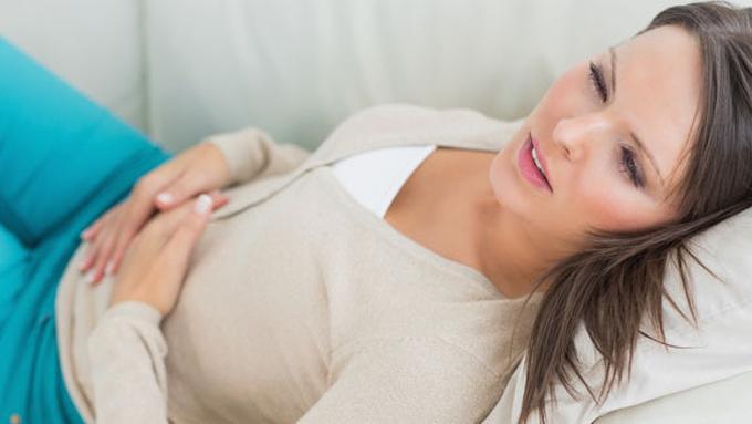 5 Cara Mengatasi Nyeri Saat Menstruasi - Beauty Fimela.com a945c938db