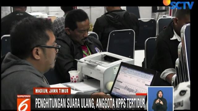 Akibat perbedaan jumlah surat suara sah dan tidak sah dengan jumlah surat suara yang ada, Bawaslu Kota Madiun merekomendasikan penghitungan surat suara ulang.