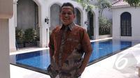Soetrisno Bachir lahir pada 10 April 1957 dan dibesarkan dari keluarga pedagang di Pekalongan, Jawa Tengah