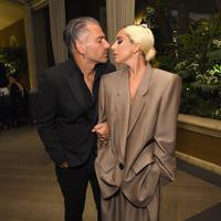 Lady Gaga bersama tunangannya Christian Carino (Michael Kovac / GETTY IMAGES NORTH AMERICA / AFP)