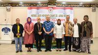 Pentas Seni Membaca Sajak Se-Jawa Tengah, di Hotel Puri Garden, Jl. Arteri Utara, Tawangsari, Kota Semarang.