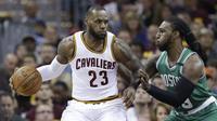 LeBron James saat melawan Boston Celtics, pada babak Final NBA wilayah timur, Senin (21/5/2017) (AP Photo/Tony Dejak)