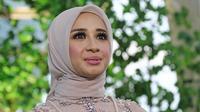Aktris Laudya Cynthia Bella  dan suaminya Engku Emran menggelar acara resepsi kedua kalinya di kawasan Bandung.