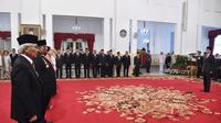 Presiden Joko Widodo atau Jokowi menganugerahkan gelar Pahlawan Nasional kepada enam orang tokoh. (Foto: Muchlis Jr - Biro Pers Sekretariat Presiden)