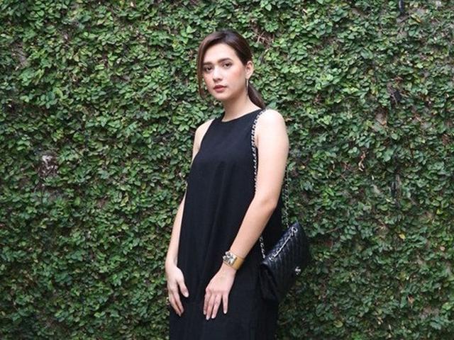 7 Gaya Mayang Yudittia Pakai Simple Dress Tampil Menawan Hot Liputan6 Com
