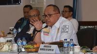 Anggota Komisi III DPR RI Junimart Girsang meminta Kepolisian dan Kanwil Kumham membuat MoU mengawasi orang asing atau TKA.