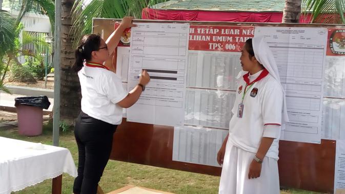 Proses penghitungan suara di TPSLN Dili, Timor Leste pada Rabu 17 April 2019 (kredit: KBRI Dili)