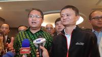 Ki-ka: Menkominfo Rudiantara dan pendiri Alibaba Jack Ma. Liputan6.com/Agustinus Mario Damar