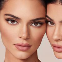 Simak koleksi makeup terbaru dari Kylie dan Kendall Jenner (Foto: instagram/kyliecosmetics)