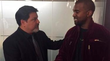 Setelah dituntut atas pemukulan Daniel Ramos seorang paparazzi akhirnya Kanye West telah menyelesaikan tuntutan hukum yang diberikan kepadanya