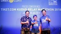 Co Founder and Chief Marketing Officer tiket.com Gaery Undarsa (kanan), bersama Direktur Run ID Bertha Gani (tengah) dan mantan pebulutangkis nasional Hariyanto Arbi dalam konferensi pers Kudus Relay Maraton 2018 di Jakarta. (dok. Tiket.com) 