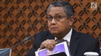 Gubernur Bank Indonesia (BI) Perry Warjiyo menggelar konferensi pers di Jakarta, Kamis (17/1). Rapat Dewan Gubernur (RDG) BI Januari 2019 memutuskan untuk mempertahankan BI 7-day Reverse Repo Rate (BI7DRR) sebesar 6 persen. (Liputan6.com/Angga Yuniar)