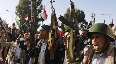 Militan Houthi menguasai Hodeidah yang menjadi pelabuhan utama di Yaman (AP Photo)