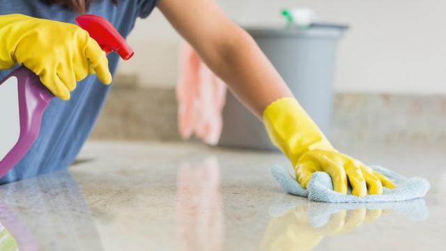 Ilustrasi bersih-bersih rumah