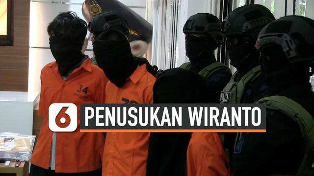 Polisi merilis hasil penangkapan terduga teroris dan barang buktinya setelah penesukkan Menko Polhukam Wiranto. Terungkap fakta, pelaku menyuruh anak dan istrinya ikut menyerang polisi.