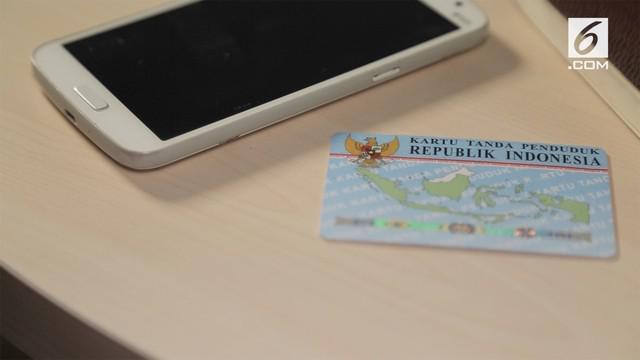 Pemerintah mewajibkan pengguna ponsel untuk melakukan registrasi nomor kartu SIM dengan memasukkan NIK KTP dan nomor Kartu Keluarga.