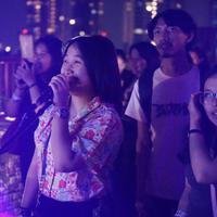 Buat yang suka karaokean lagu-lagu Korea, ikutan kuis yang berhadiah tiket gratis ke acara Friday Noraebang ini yuk… (dok. Friday Noraebang)