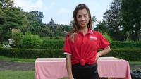 Jennifer Bachdim mengisi acara Nestum Amazing Morning dengan berolahraga bersama di Taman Lumbini, Magelang, Jawa Tengah. (Liputan6.com/Dinny Mutiah)