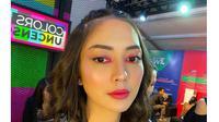 5 Pesona Ririn Dwi Ariyanti dengan Makeup Tebal, Tetap Memesona (sumber: Instagram.com/ririndwiariyanti)