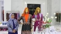 Feny membangun brand busana muslim Shafira dan Zoya dengan menjaga kepercayaan dan networking.