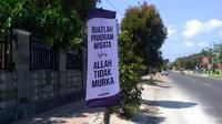 Banner atau spanduk bernada provokatif muncul di Cilacap jelang sedekah laut Cilacap. (Foto: Liputan6.com/Taufik H untuk Muhamad Ridlo)